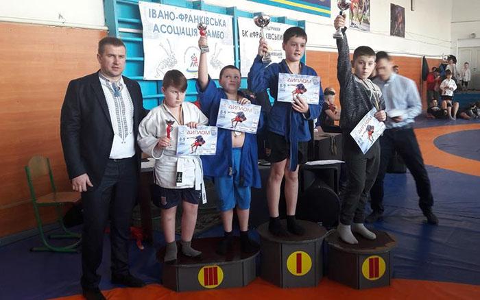 Юні тернополяни вибороли на турнірі із самбо п'ять медалей
