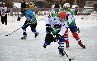 У файному місті стартував великий хокей (ФОТО)