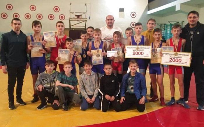 Тернополяни тріумфували на чемпіонаті Рівненщини з греко-римської боротьби