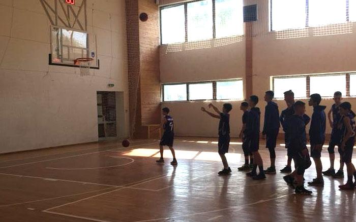 """БК """"Кристал"""" продовжує участь 2-му турі чемпіонату Всеукраїнської юнацької баскетбольної ліги серед юнаків"""