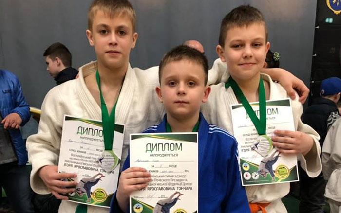 Юні тернопільські дзюдоїсти завоювали на турнірі в Хмельницькому одну срібну та три бронзових медалі