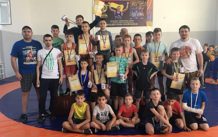 Юні тернопільські борці завоювали ряд нагород у Рівному