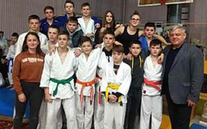 Відкритий чемпіонат області з дзюдо серед юнаків та дівчат зібрав у Тернополі рекордну кількість учасників з усієї України