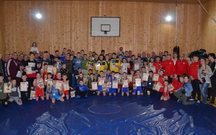 Тернопільські борці отримали нагороди Різдвяного турніру