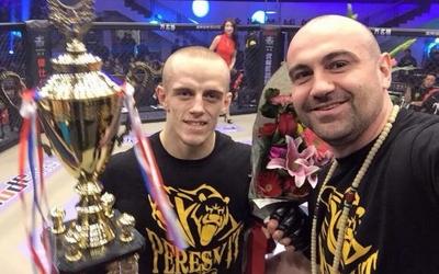 Тернопільський фрі-файтер побив китайця у професійному турнірі (ФОТО)