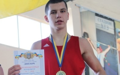 Віктор Петров — чемпіон України з боксу