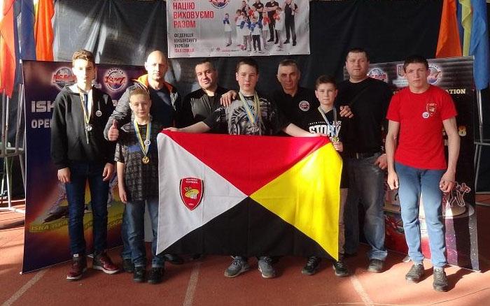 Юні тернопільські кікбоксери завоювали у Харкові 13 медалей