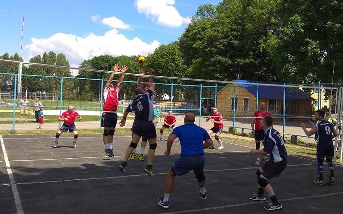 У Скалаті відбувся турнір з волейболу серед ветеранів
