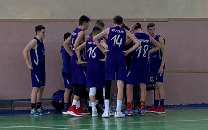 Юні чортківські баскетболісти повернулись із Одеси з двома перемогами