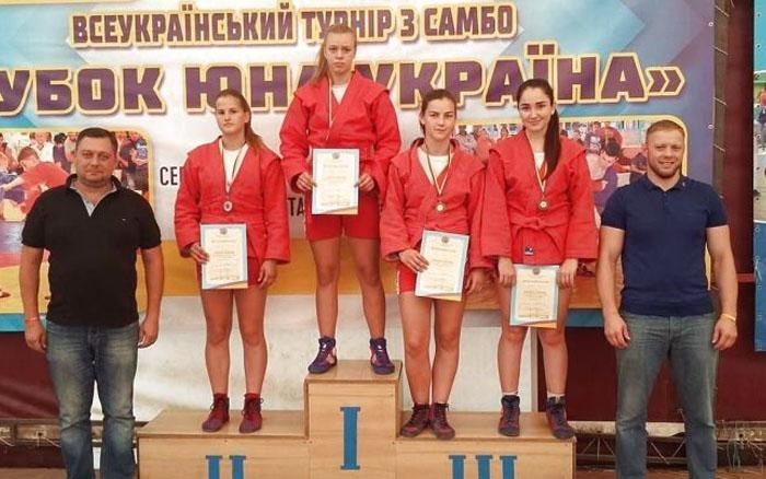 Тернопільські самбістки завоювали три медалі на Кубку України