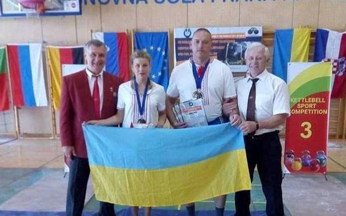 Збаражчани привезли нагороди із чемпіонату Європи з гирьового спорту