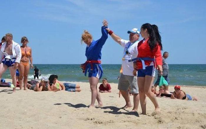 Студентка тернопільського вишу перемогла на змаганнях з пляжного самбо