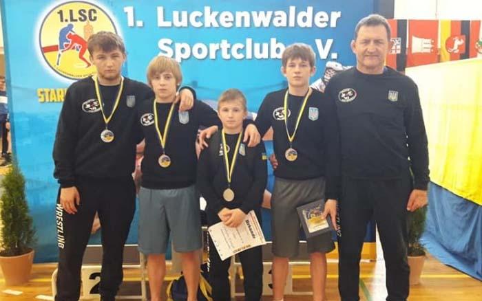Четверо борців Тернопільщини повернулися з медалями з-за кордону