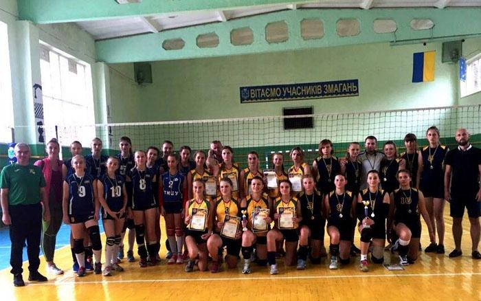 День фізичної культури і спорту на Теребовлянщині зустріли турнірами з волейболу та міні-футболу