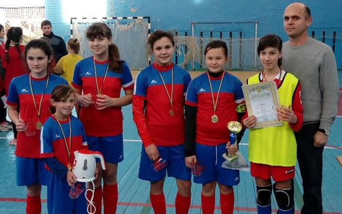 """Дівчата з """"Чемпіону"""" виграли чемпіонат області у двох вікових групах"""