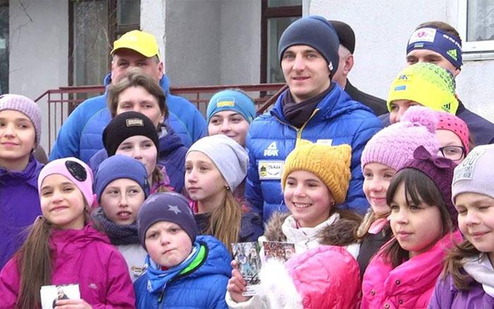 Підручний та Меркушина зустрілись з вихованцями школи зимових видів спорту